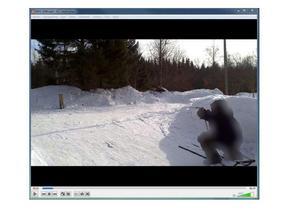 I mannens dator hittade polisen även en film där han tränar skytte. Bild: Från polisens förundersökning.