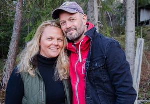 För  24 år sedan träffade Jonas sin hustru Jennie – och det var kärlek vid första ögonkastet.