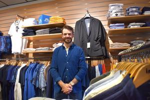Wille Modin har redan ett  fullspäckat schema, men han betvivlar inte att han kommer hinna öppna nya butiken innan högsäsongen drar igång.