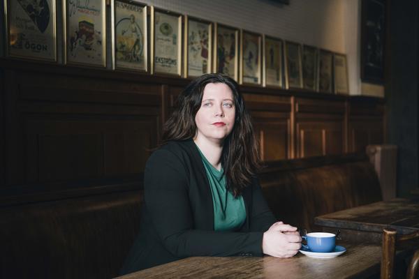 Elise Karlsson återvänder till romangestalten Emma från