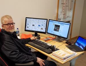 Björn Olsson är en av dem som jobbar med Räddningstjänsten DalaMitts Facebooksida.