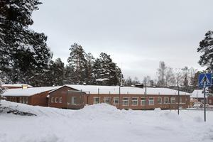Skolverksamheten i Ramsjö försvann 2014 – nu är skolhuset en del i intraprenaden, med matlagning till hemtjänstkunder med mera.