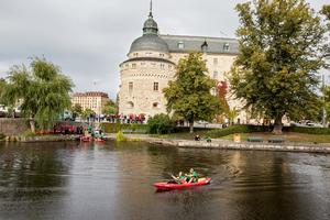 De olika kårsektionerna mötte varandra bland annat i att paddla snabbast i Svartån.