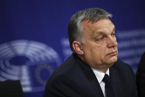 Anna-Belle Strömberg anser att Viktor Orbans Ungern inte ska få ta del av EU-medel – så länge landet inte tar ansvar för migrationen. Foto: AP.