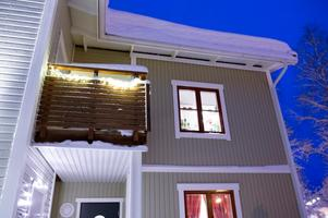 I Mårtensro bor familjen i en trea på andra våningen. De stortrivs och har nära till naturen och till stan.