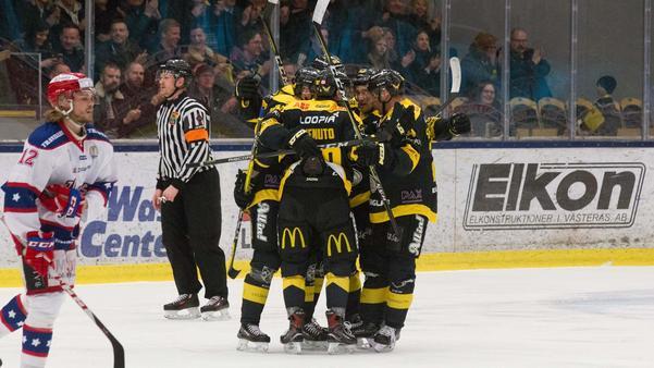 VIK Hockey inledde målskyttet i powerplay.