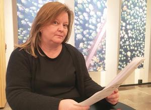 """""""Vad gör vi när den här personen som är i behov av att ta sin medicin ställs på bar backe"""", frågar sig Pia Carlsson som är mannens förvaltare."""