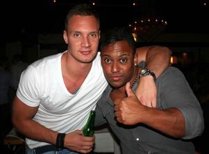 Blue Moon Bar. Markus och Johan