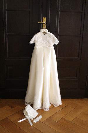 Dopklänningen Annabel auktionerar ut. Foto: Privat