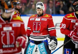 Jhonas Enroth är en av tre målvakter som ser ut att lämna Örebro.