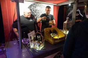 Lokala bryggerier, bland annat Riverrose från Älvros med Lars Svensson och Per-Olof Berglund, var en majoritet av utställarna på marknaden.