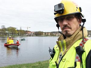 Lars Samuelsson, räddningsledare vid räddningstjänsten Höga Kusten-Ådalen var med vid insatsen då den döda mannen hittades i Härnösand.