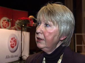 Landstingsrådet Ann-Margret Knapp (S) är kritisk till regeringens hållning i frågan om kostnader i samband med vaccineringen mot svininfluensan.