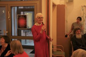 Församlingsherden Moni Höglund talade och höll i en bön, efter det var det dags att hugga in på julbordet.