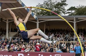 Armand Duplantis siktar på att vara i toppform till VM. Foto: Björn Larsson Rosvall.