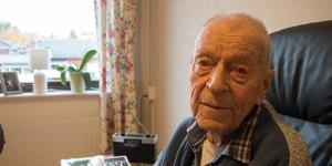 Heikki Lirberg, kirurg och krigsveteran, fyller 100 år.
