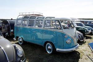 Ytterligare en skönhet på Springmeet. Björn Svanbergs VW Samba-buss från 1960. Bussen kommer från Strömsund.