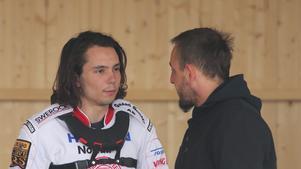 Gleb Chugunov får chansen direkt i Rospiggarnas premiärmatch.