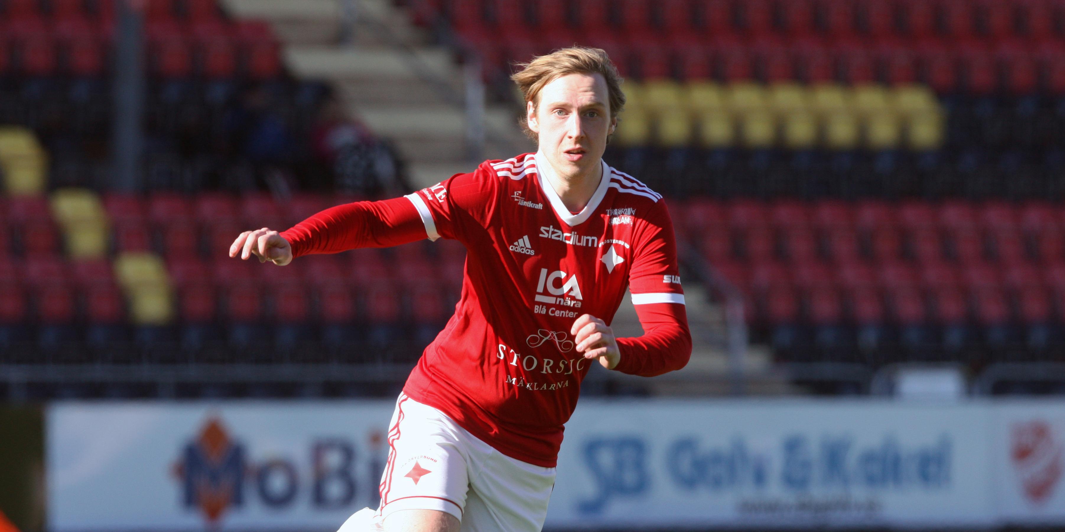 Mattias Jonsson matchhjälte med två mål för IFK Östersund – som förlängde fina sviten: