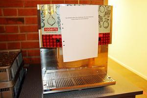 Juicemaskinen på Alléskolan var på fredagen avstängd på grund av bakterierna i dricksvattnet.