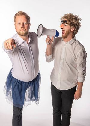 Duom Jonas Öhrn och Mathias Wiik spelar improvisationsföreställningar på 4:e teatern.Foto: Svante Remshagen