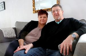 Maria och Janne Lindquist stortrivs i sitt hus i Alby.