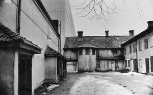 Kvarteret Lorens 1978. Byggnaden till vänster är gårdssidan av Odéon. Foto: Gunhild Malmberg/VLT:s arkiv