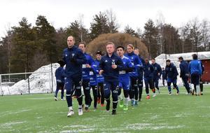 Division 2-nykomlingen IFK Mora – här anförda av Joakim Kullberg och Lars Rylander – väntas få det tufft i år. Ett spelbolag ger 50 gånger pengarna för IFK som seriesegrare, högst odds av alla i den norra Svealandsserien.