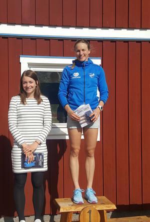 Linn Sömskar ficj kliva upp högst på pallen och Moa Olsson slutade tvåa i klassen D 21.