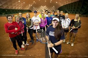 Att dra in på idrottsprofiler som tennisen har visat sig vara en dålig affär. Då förlorar kommunen mer pengar på bidrag från kommuner med elever utifrån än man spar.