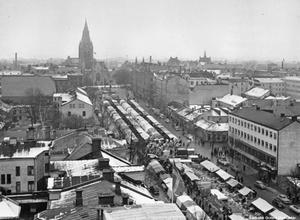 Hindersmässan 1956. (Bild: Örebro stadsarkiv)