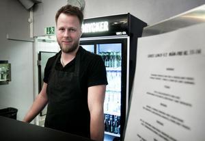 Lars Willner på Lokes kök har funderingar på att anställa några fler på timmar.