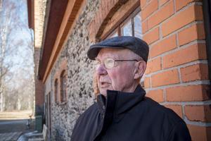 Ebbe Lundqvist är engagerad i hyttans bevarande. Han är glad över att Folkteatern nu sätter upp en pjäs i den gamla industrilokalen.