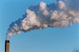 Det är ett faktum att vi påverkar klimatet genom bland annat utsläpp, skriver signaturen.