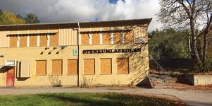 Stenkumlaskolan bommades igen 2008 och planen är att den ska rivas för att bygga bostäder, men några sådana har det inte blivit ännu.