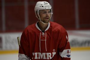 Emil Pettersson passade också på att träna med Timrå.