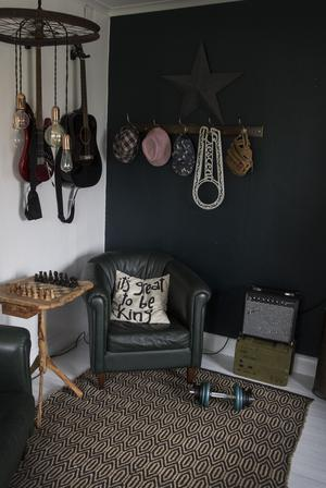 I Melindas kreativa vård kan rostiga gamla cykelekrar bli en cool inredningsdetalj i tonårsrummet.