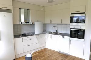 Nu. De nya lägenheterna är öppna i sin planlösning. Köksinredningen kommer från Marbodal.