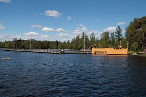 Återuppbyggnaden av kallbadhuset tog 3,5 år, det stod klart och invigdes 2011.