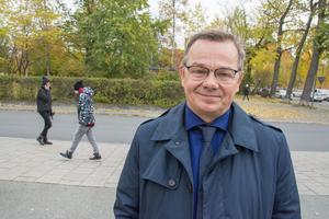 Pär Löfstrand (L) räknar med en tuff debatt om Körfältsskolans framtid.