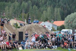 Ann-Helen Eriksson och Ove Bolander hade bäst utsikt av alla åskådarna under söndagens tävling.