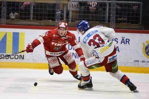 Filip Hållander in action.