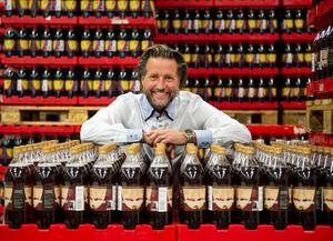 Vd Niclas Nilsson på Vasa bryggeriet tror skarpt på deras nya smak, hallon och lakritsbåtar.
