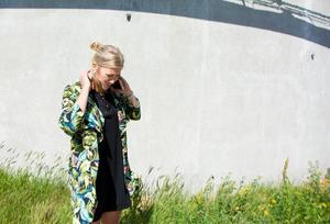 Den närmaste tiden efter SM-semifinalen mot Linköping och den sista slutsignalen för säsongen 2017/2018 var inte lätt för Erika Grahm. Hennes kontrakt med Modo gick ut och hon brottades med tankar om vad hon skulle göra härnäst. Till slut föll valet på en flytt till Gävle. Efter tretton år som Modospelare – och en livstid som Modoit – ska hon dra på sig en Brynäströja.