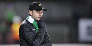 Hammarbys tränare Misha Pasjkin har bra insyn i rysk bandy och gillar inte förbundets nya påhitt. Foto: Anders Wiklund