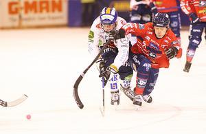 Stefan Larsson i Edsbyns tröja i en match mot Bollnäs.
