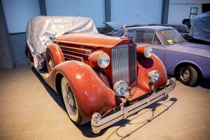 En Packard -35 som på den tiden var en lyxbil har köpts in från Holland.