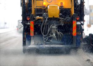Foto: Michael Berggren.Den kraftiga kritiken mot hur väghållningen skötts i Falun under årets vinter aktualiserar frågan om en ökad saltanvändning.