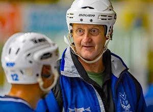 Michael Bratt är ny huvudtränare i Västanfors den här säsongen. Foto: Jörgen Hjerpe/Västanfors bandy