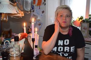 Malin Överby hemma i köket i Galtström.